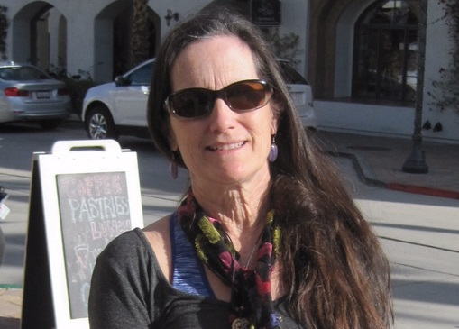 Meet Your Neighbor – Liz Hartley